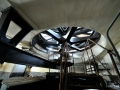 Una delle tre turbine vista da sotto il solaio